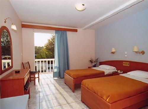upload/300_EARLY-BOOKING--ZAKYNTHOS-----VARA-2013-–-hotel-Esperia-3_6.jpg