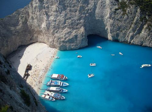 upload/300_EARLY-BOOKING--ZAKYNTHOS----Laganas---VARA-2013-–-Villa-VIVIAN-3k_9.jpg